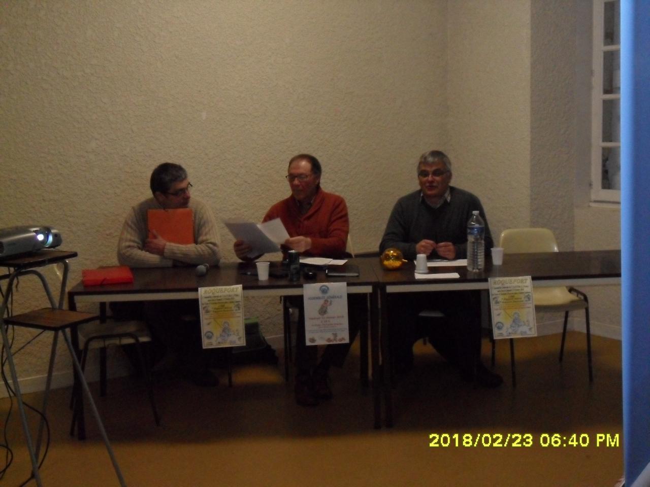 De gauche à droite, le Trésorier,le Président et Mr le Maire