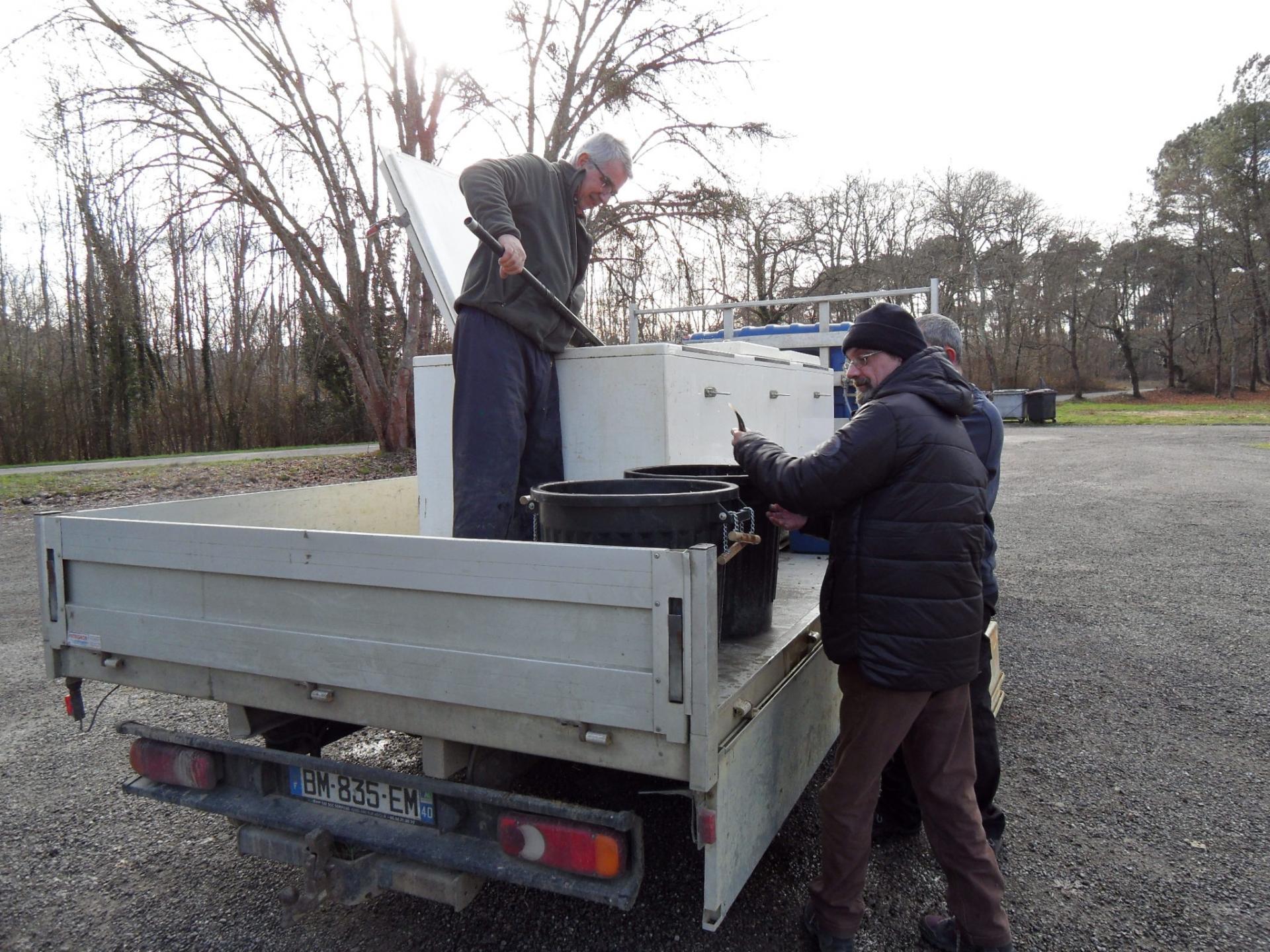 Mr Faget nous livre les poissons (Janvier)